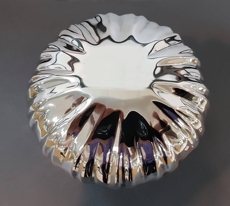 20th Century Italian Mushroon shape Silver Box. Embosse and chiselled by hand For Sale 1