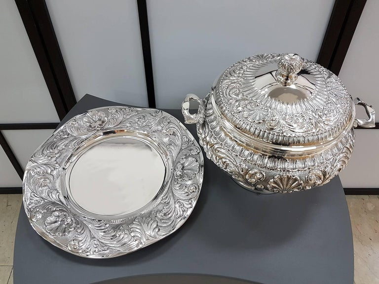 20th Century Italian Stering Silver Baroque revival round Tureen plus dish For Sale 5