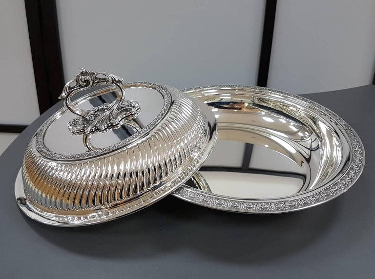 20th Century Italian Sterling Silver ceased Entree Dishe For Sale 1