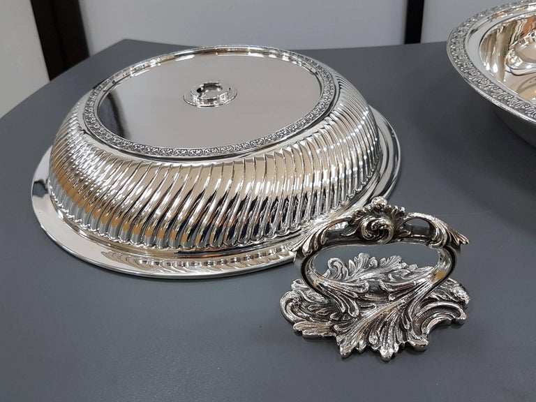 20th Century Italian Sterling Silver ceased Entree Dishe For Sale 3