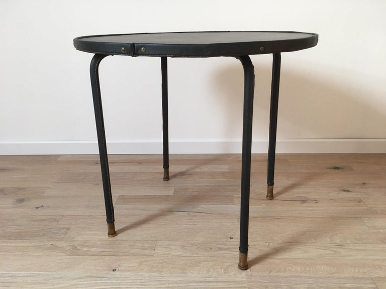 Mid-Century Modern Jacques Adnet Style Black Stitched Leather Round Side Table, 1950s, French For Sale