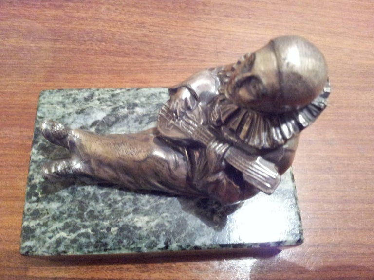 French Art Deco Bronze Sculpture Pierrot on Green Marble Base, 1930 For Sale 3