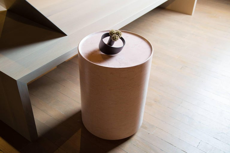 Contemporary Minimal Pink Amara Marble Side Table Handcrafted in Italy IN STOCK In Excellent Condition For Sale In Chicago, IL
