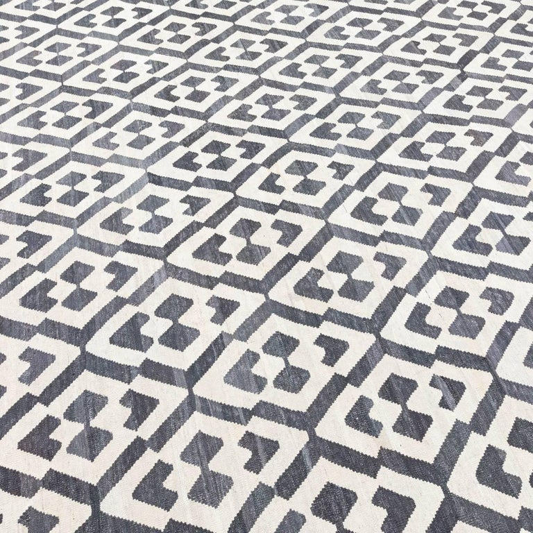 Handmade contemporary flat weave black and white africa collection for sale at 1stdibs - Alfombras kilim madrid ...