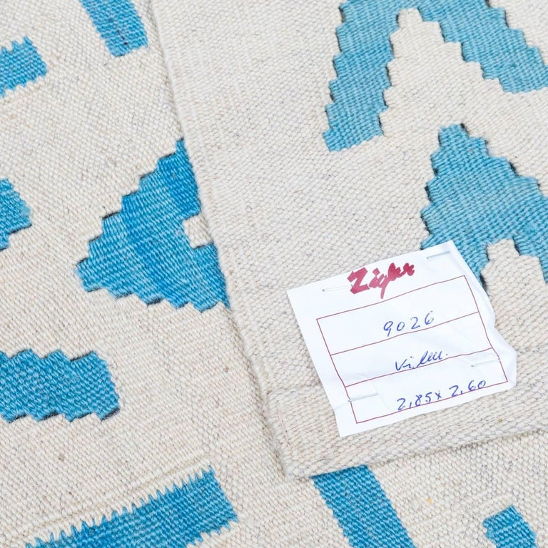 Handmade contemporary flat weave blue and beige modern design at 1stdibs - Alfombras kilim madrid ...
