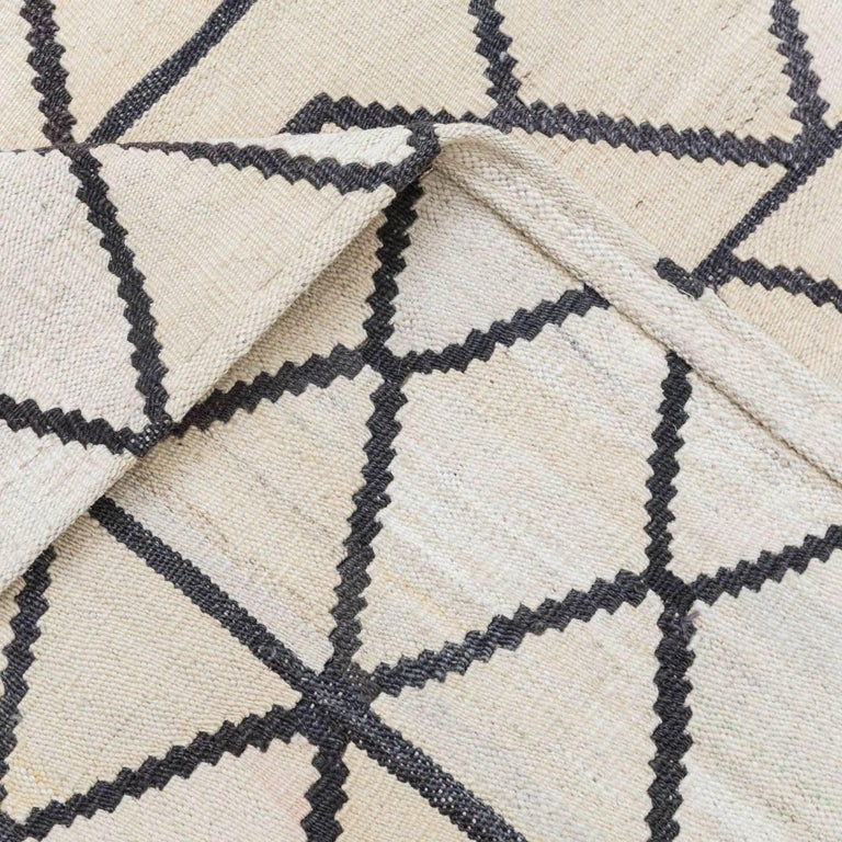 Handmade contemporary flat weave bereber design for sale at 1stdibs - Alfombras kilim madrid ...