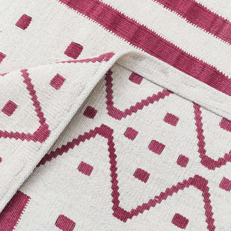 Handmade contemporary flat weave red and beige nomadic design for sale at 1stdibs - Alfombras kilim madrid ...