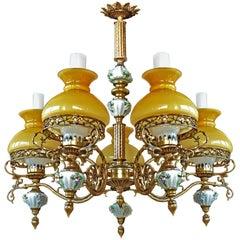 Antiker französischer viktorianischer Limoges Porzellan, Bronze und Glas Öllampen Kronleuchter