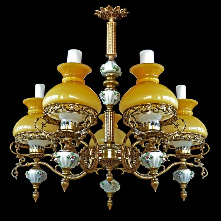 Gorgeous antique circa 1920 French Victorian porcelain five-light bulbs chandelier/bronze and opaline yellow glass shades