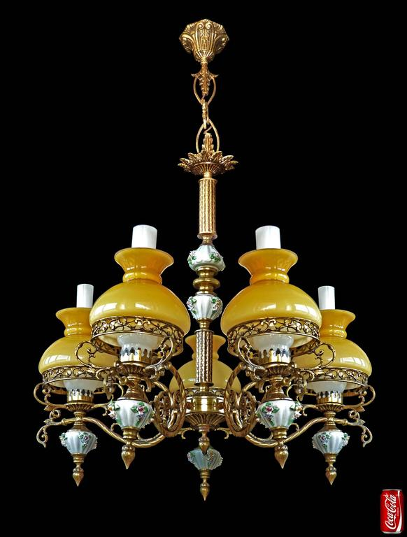 Antique French Victorian Porcelain/Bronze/Opaline Yellow Glass Shades Chandelier For Sale 1