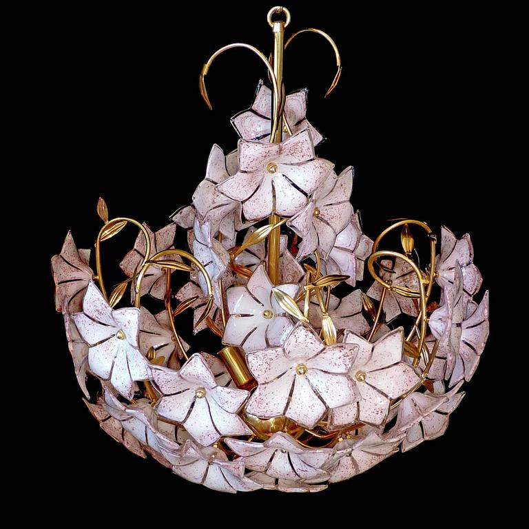 Stunning Extra Large 1960s Vintage Italian Murano Flower Bouquet Venini Art Glass Chandelier With 43 Hand