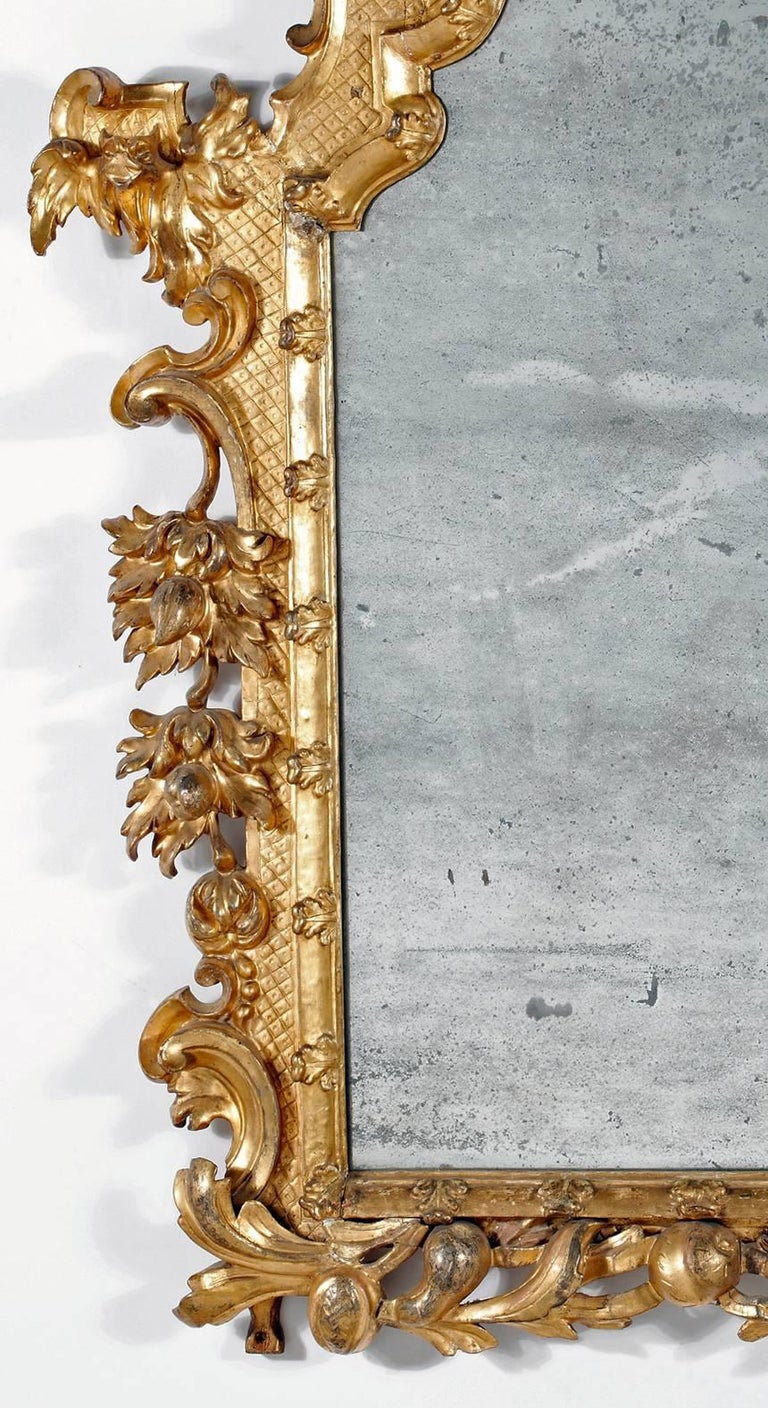 Baroque Fine Italian Giltwood Mirror For Sale