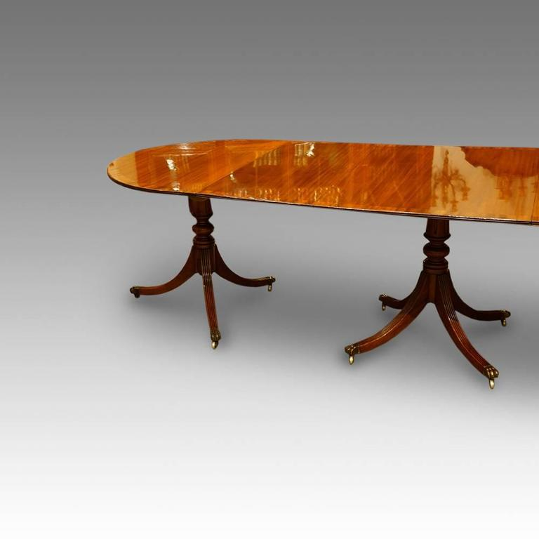 Regency style mahogany three pillar dining table at 1stdibs for Pillar dining table