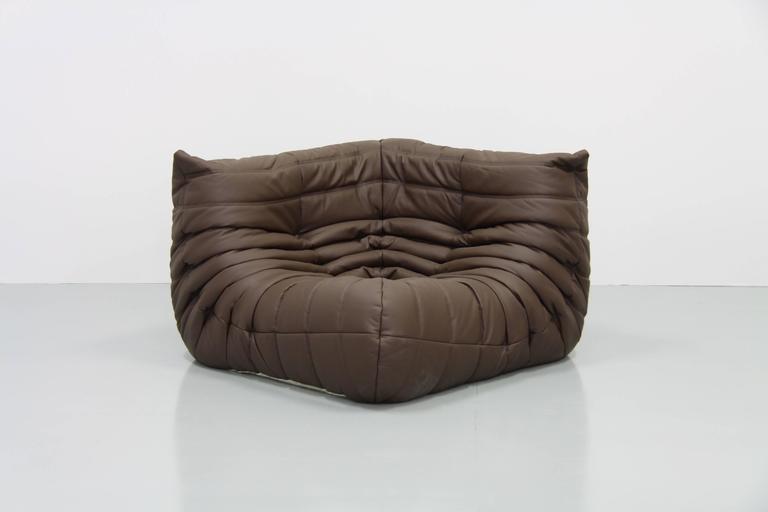 mid century brown leather togo living room set by michel ducaroy for ligne roset for sale at 1stdibs. Black Bedroom Furniture Sets. Home Design Ideas