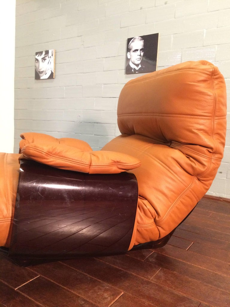 Cognac Leather Marsala Lounge Chair and Pouf by Michel Ducaroy for Ligne Roset In Good Condition For Sale In Berlin, DE