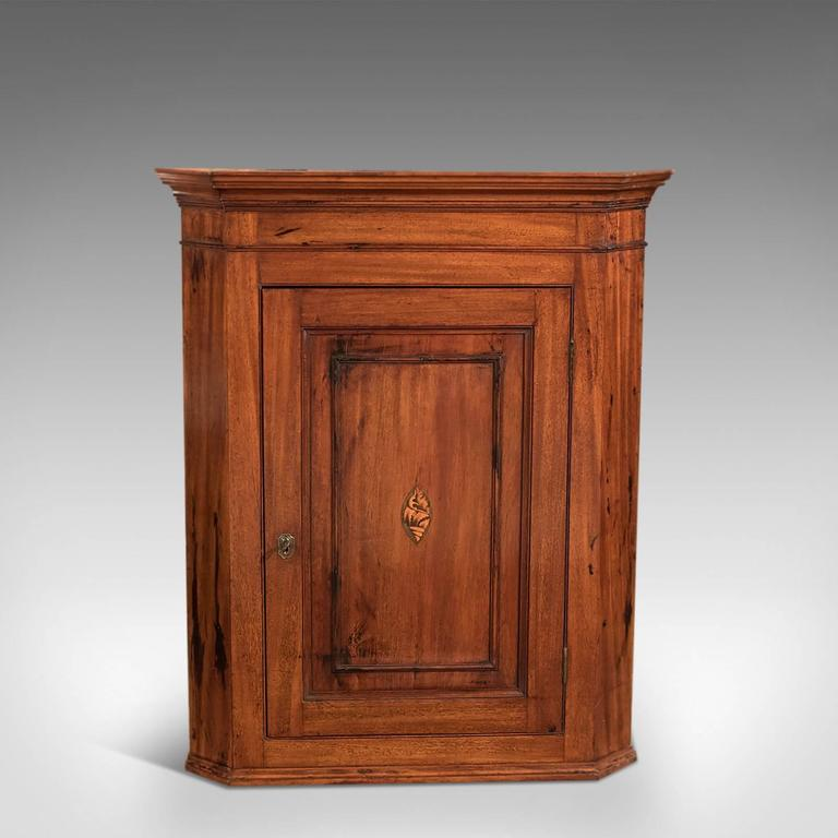 British 18th Century Mahogany Georgian Corner Cupboard, circa 1800 For Sale - 18th Century Mahogany Georgian Corner Cupboard, Circa 1800 For Sale