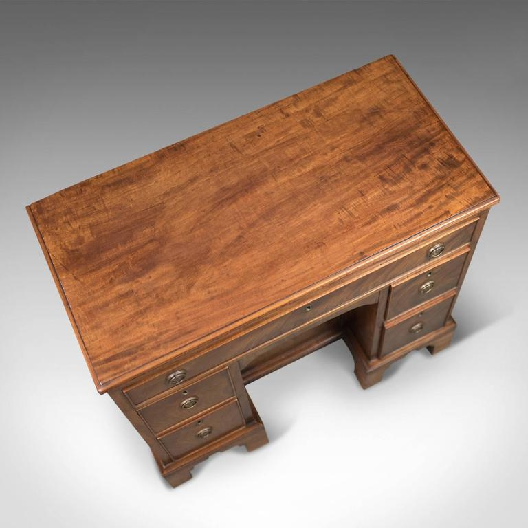 Antique Kneehole Desk, Victorian Knee Hole, circa 1870 In Excellent Condition In Hele, Devon, GB