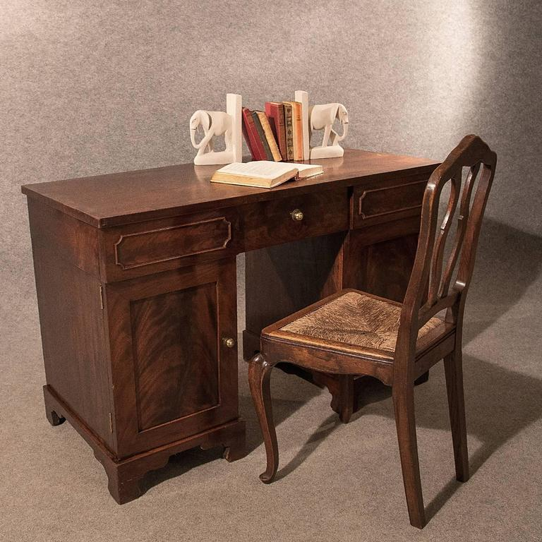 Antique Pedestal Desk Study Table - 95.8KB