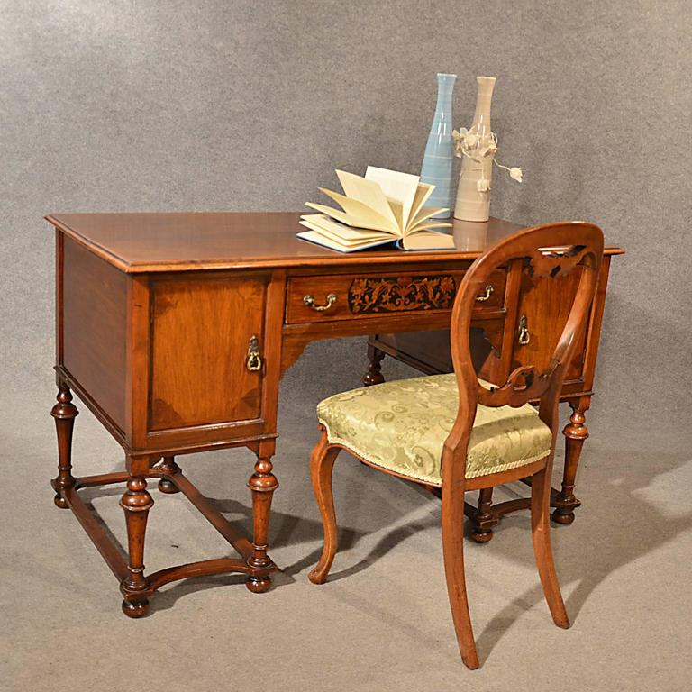 Antique Desk Study Office Library - 89.1KB