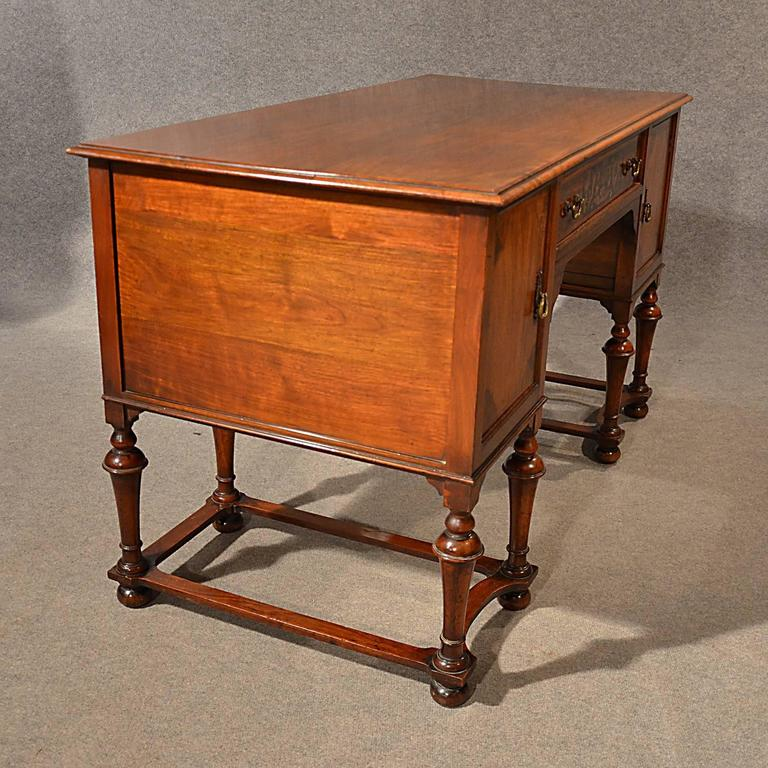 Antique Desk Study Office Library Table Victorian English Walnut, circa  1900 For Sale 2 - Antique Desk Study Office Library Table Victorian English Walnut