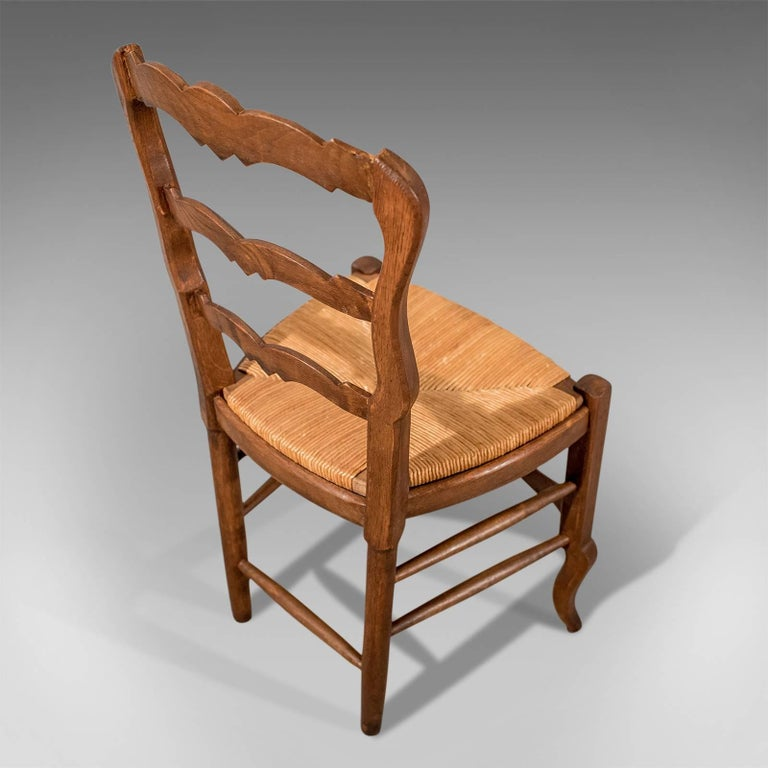 French Oak Country Kitchen Dining Chairs Set of Six Rush Seats, circa 1900 In Good Condition In Hele, Devon, GB