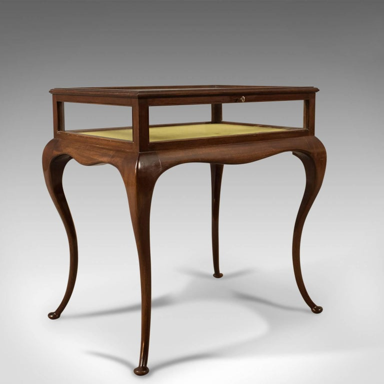 Great Britain (UK) Antique Bijouterie Table, George V Display Case, English, circa 1915