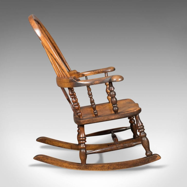 Victorian Antique Windsor Rocking Chair, English Armchair, Yorkshire, circa  1850 In Excellent Condition - Victorian Antique Windsor Rocking Chair, English Armchair, Yorkshire