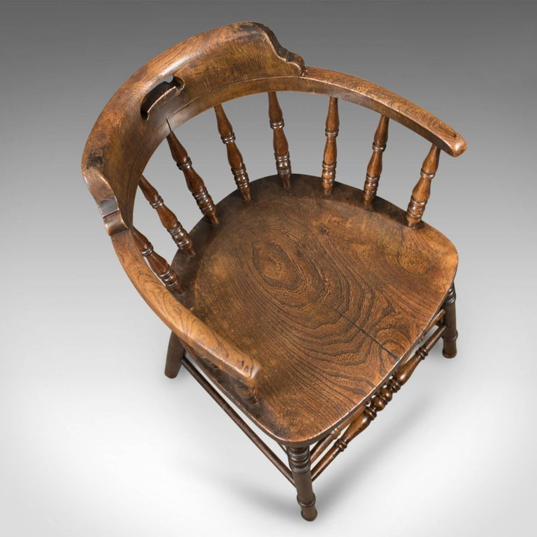 19th Century Victorian Antique Bow-Back Chair, English Elm Windsor, circa 1870 For Sale