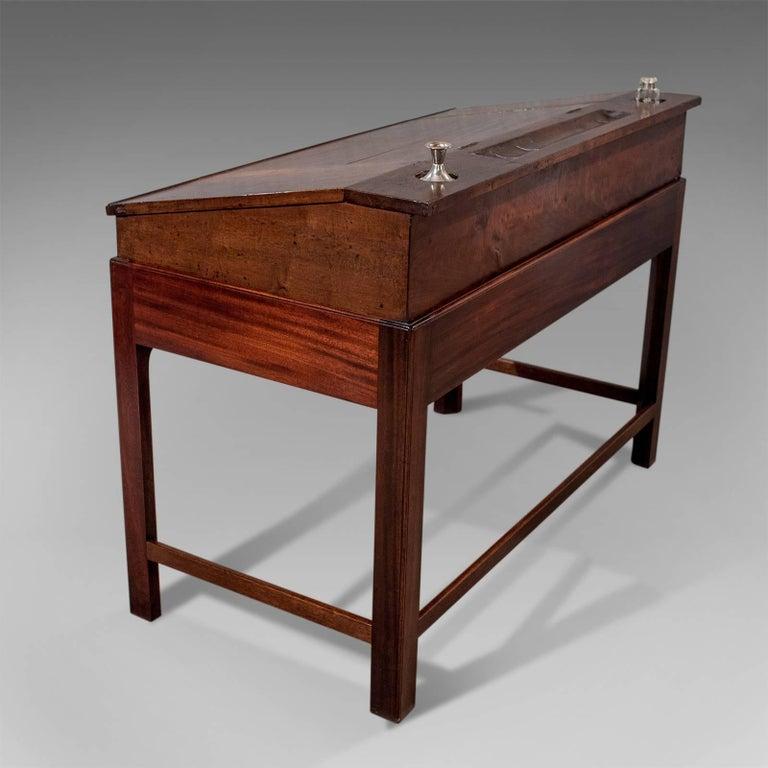 Antique School Masters Desk, English, Georgian, Mahogany, circa 1800 In Good Condition For Sale In Hele, Devon, GB
