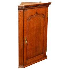 Georgian Hanging Antique Corner Cabinet, circa 1780