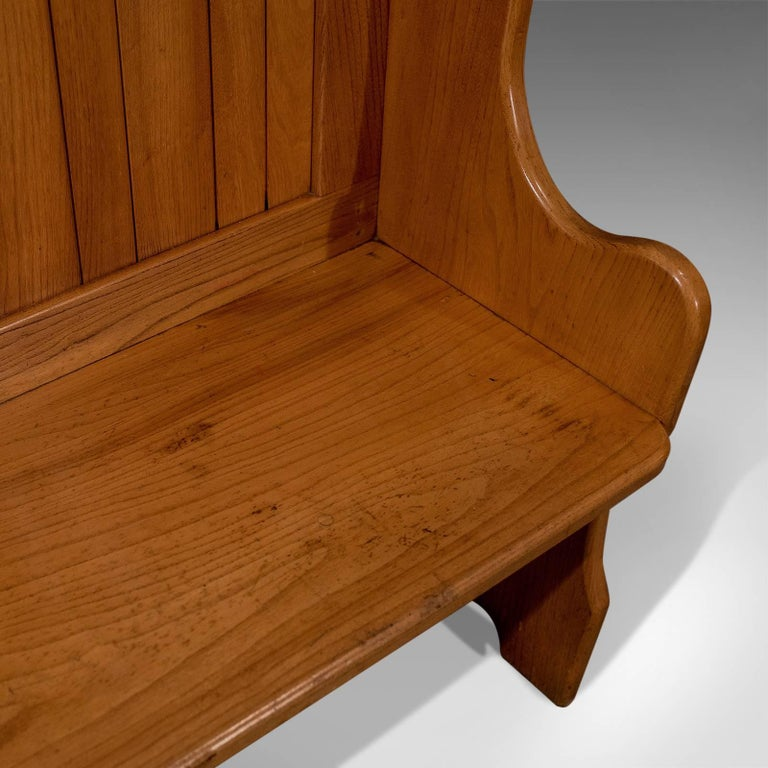 Antique Settle Bench Pew Tavern Hall Seat Solid Oak Quality, Mid-20th Century For Sale 5