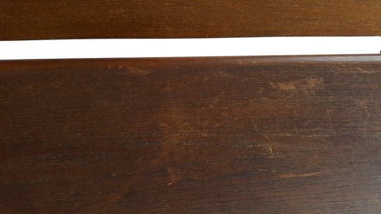 Large Sculptural Wooden Bench In Good Condition For Sale In De Klinge, BE