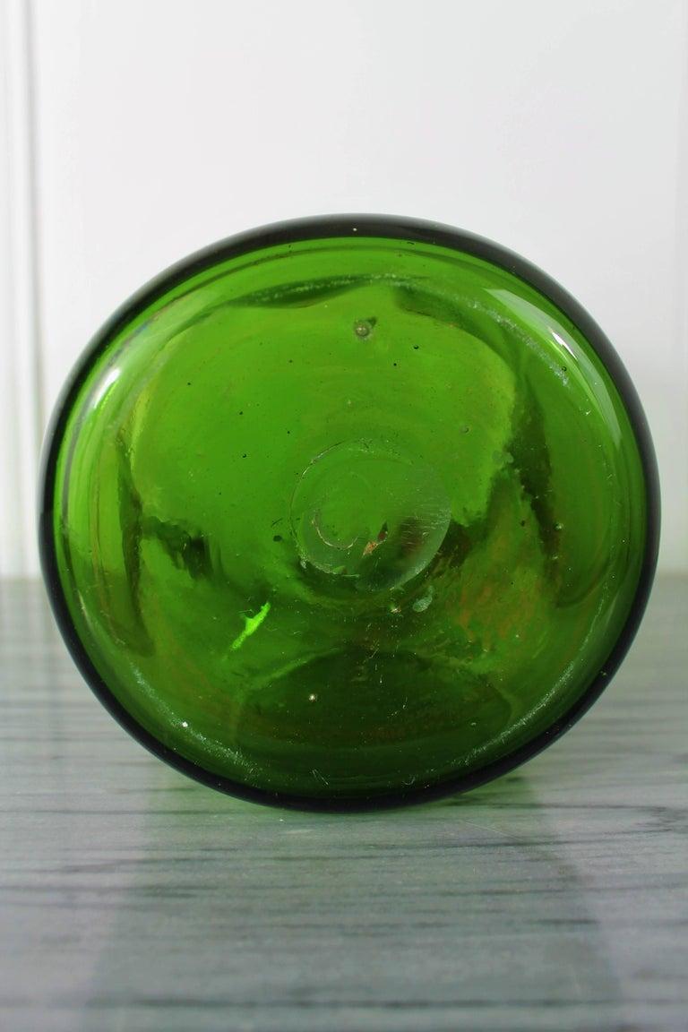 Large 1970s Vintage Green Blown Crystal Vase For Sale 4