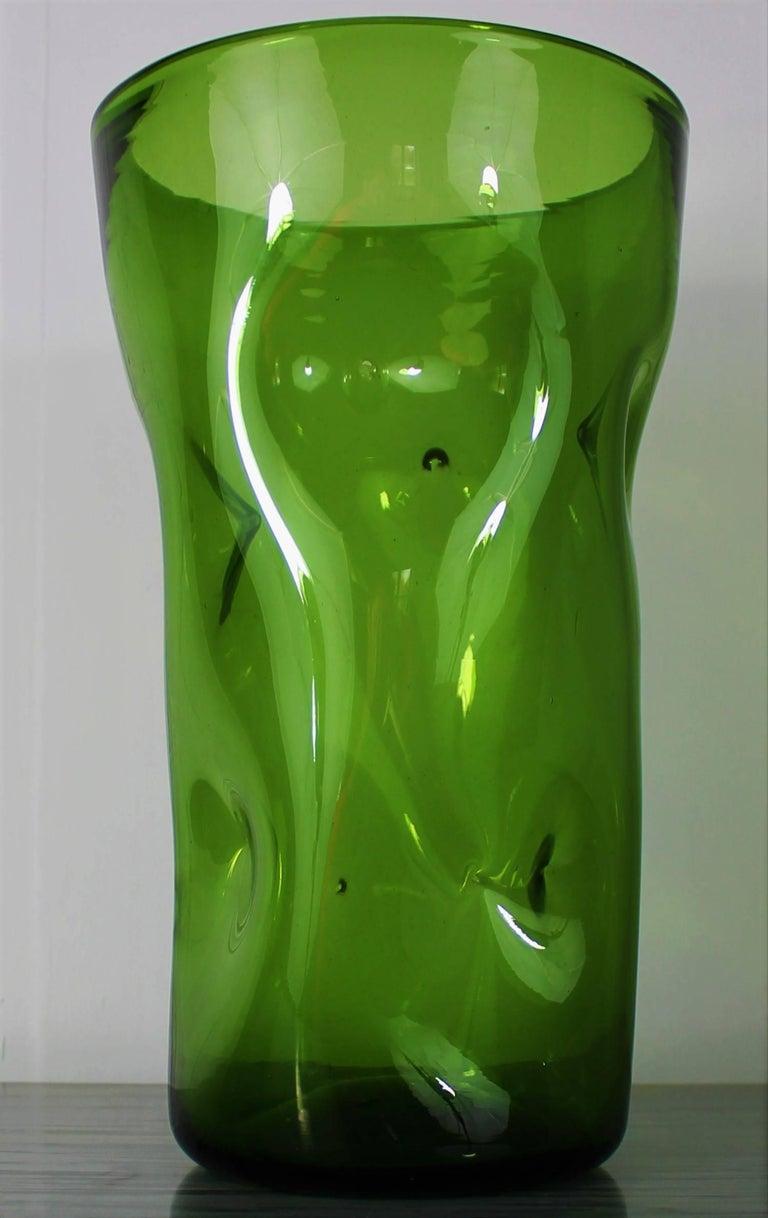 Large 1970s Vintage Green Blown Crystal Vase For Sale 5
