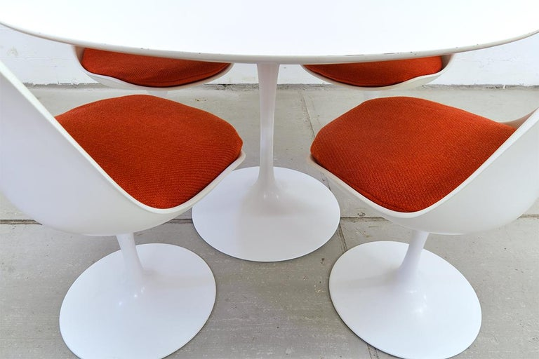 Mid-Century Modern Midcentury Tulip Dining Set by Eero Saarinen for Knoll International, 1970s For Sale