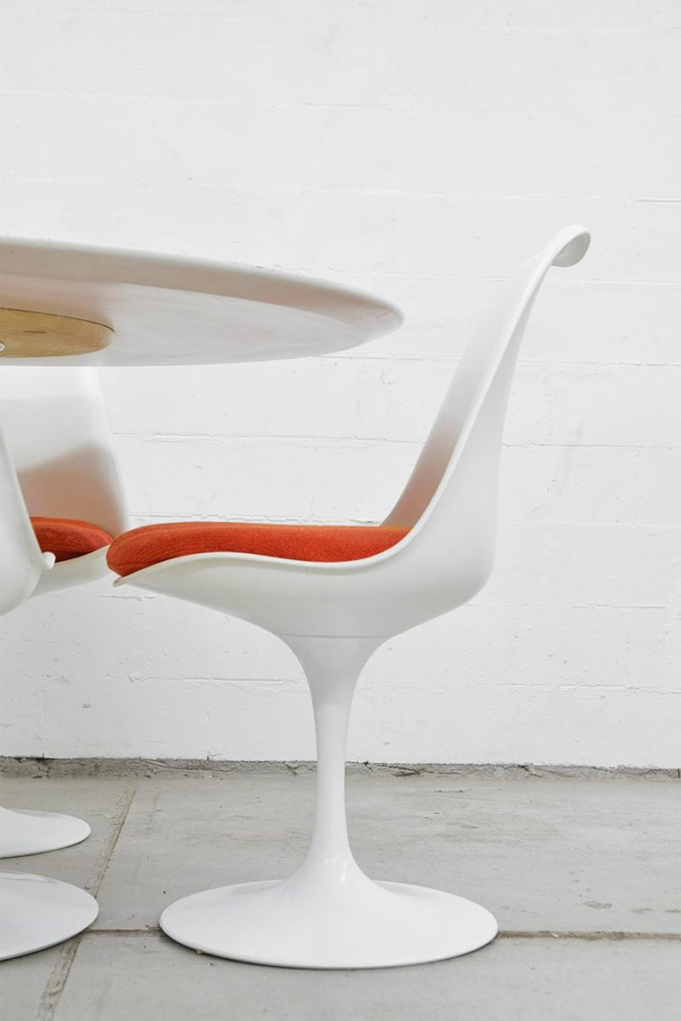 American Midcentury Tulip Dining Set by Eero Saarinen for Knoll International, 1970s For Sale