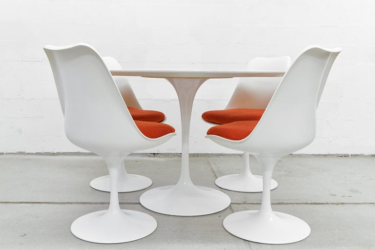 Midcentury Tulip Dining Set by Eero Saarinen for Knoll International, 1970s For Sale 5