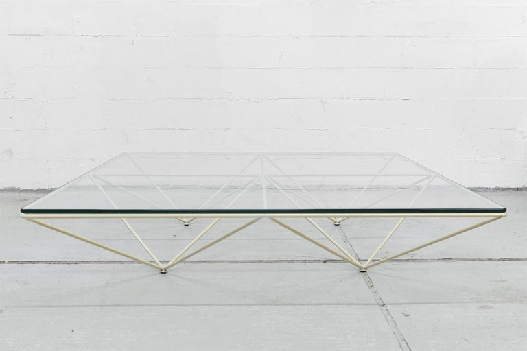 Very rare white Minimalistic Paolo Piva coffee table called 'Alanda' made by B&B Italia, from 1982. Highly sought after Minimalist design with the geometric steel metal frame and glass.