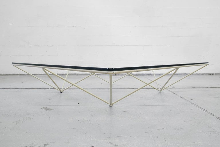 Minimalistic Paolo Piva 'Alanda' White Glass Coffee Table for B&B Italia, 1980s For Sale 3