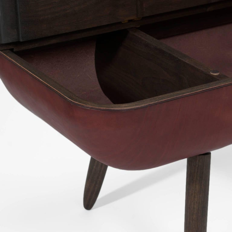 Coracle Bench with Storage, Walnut Wood and Burgundy Vegetable Tanned Leather In New Condition For Sale In Toronto, ON