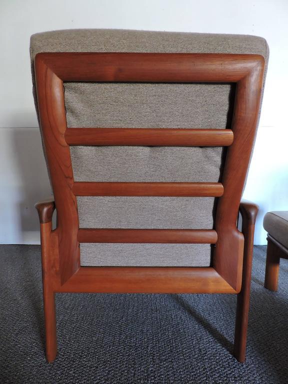 Mid century danish modern komfort teak lounge chair and ottoman for sale at 1stdibs - Designer couch modelle komfort ...