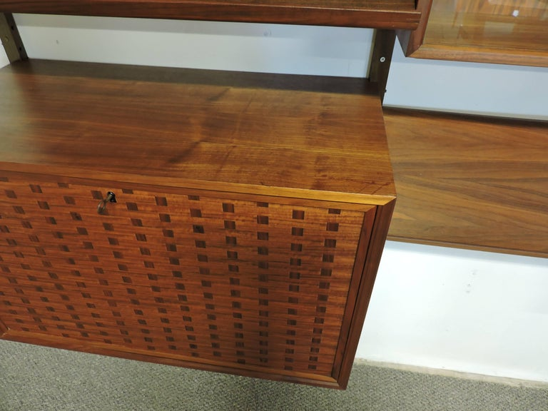 Poul Cadovius Midcentury Danish Modern Walnut Cado Royal Modular Wall Unit For Sale 3