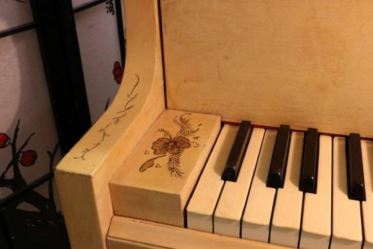 Art Case Piano Chinoiserie Style Hand Painted Masterpiece by Stroud 7