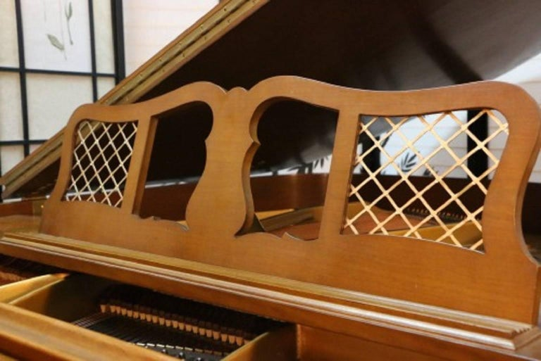 Art Case Chippendale Style Walnut Knabe Baby Grand Piano with Gold Trim 7