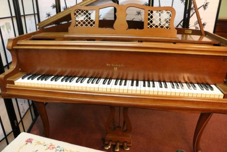 Art Case Chippendale Style Walnut Knabe Baby Grand Piano with Gold Trim 8