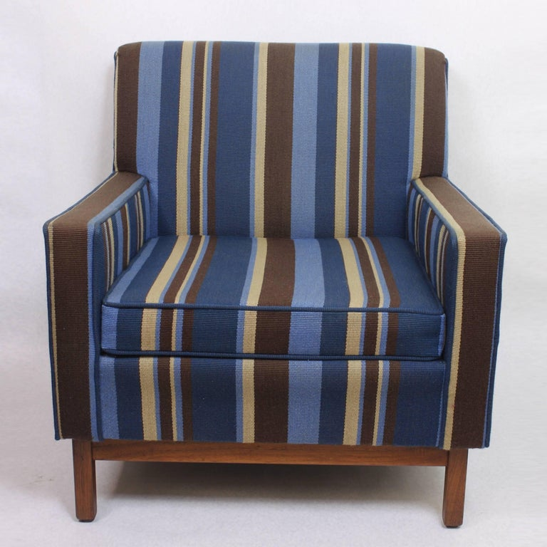 Spectacular Pair of Mid-Century Modern Blue Striped Lounge Chairs by Gunlocke In Excellent Condition For Sale In Lafayette, IN