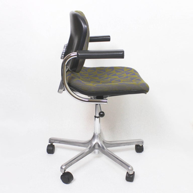 American Vintage Mid-Century Modern Euro-Chair Desk Chair by Fritz Makiol for Girsberger For Sale