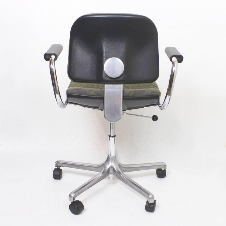 Cast Vintage Mid-Century Modern Euro-Chair Desk Chair by Fritz Makiol for Girsberger For Sale