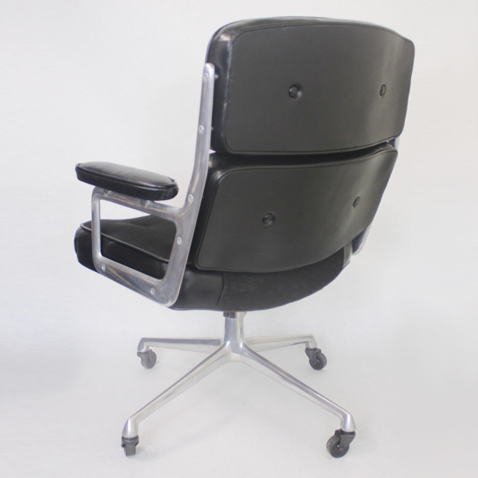 GroBartig 1960s Mid Century Modern Herman Miller Time Life Executive Desk Lounge  Chair For Sale At 1stdibs