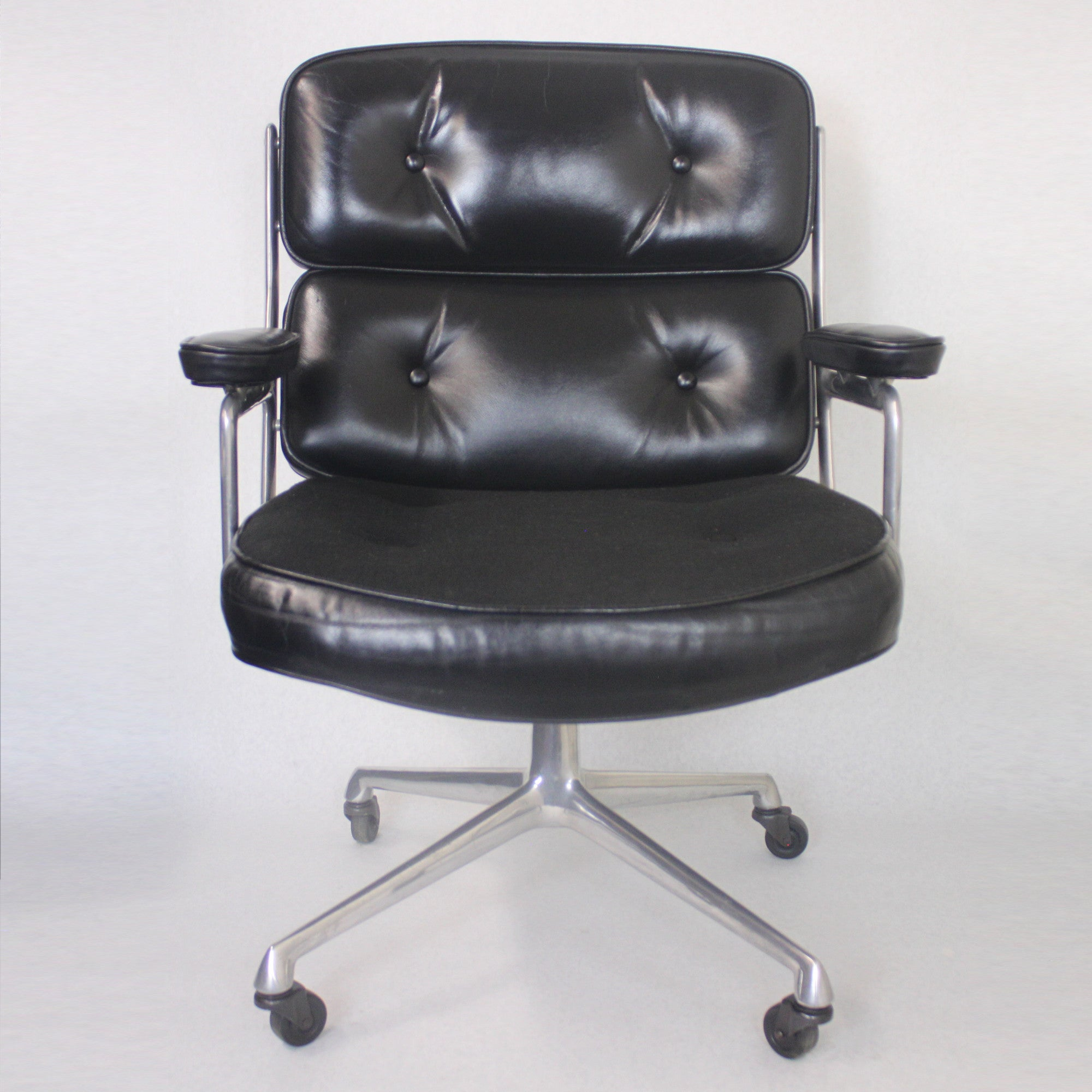 Lieblich 1960s Mid Century Modern Herman Miller Time Life Executive Desk Lounge  Chair For Sale At 1stdibs
